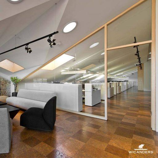 SmallPlanetAirplan biure Corkcomfort kamščio grindys projekto autoriai arch. Plazma